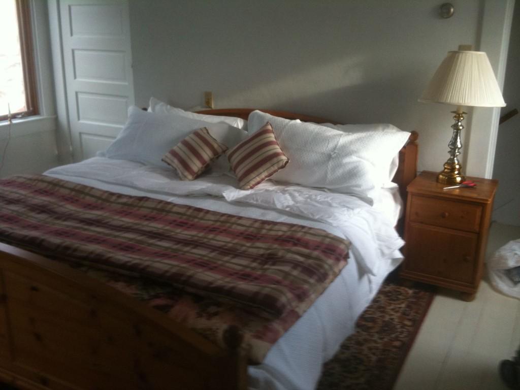 Stay sanaview Farmhouse master bedroom bedding